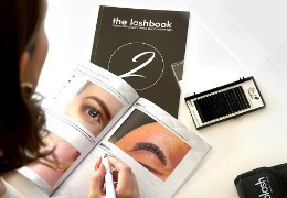 Modern eyelash styling training. Where to choose the best course in eyelash extensions?